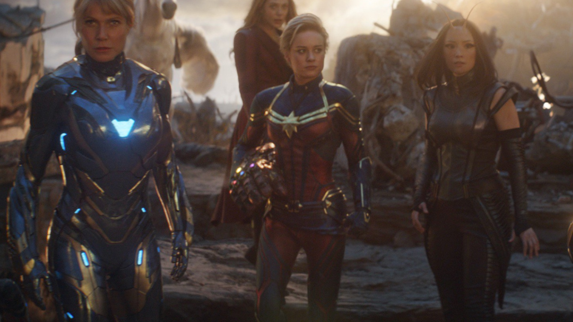 Captain Marvel S Suit Was Entirely Cgi In Avengers Endgame Geektyrant People are talking about captain marvel's haircut in avengers: entirely cgi in avengers endgame